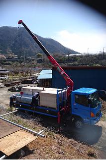 エルイマイコンストラクション 太陽光発電システム機材搬入